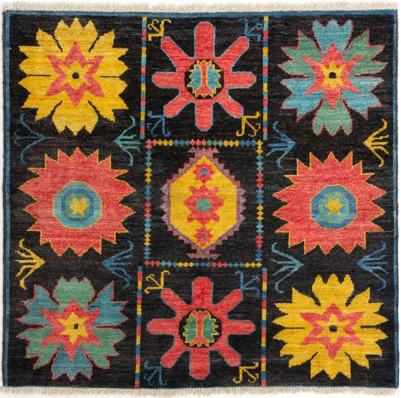 Casual  Transitional Black Area rug Square Indian Hand-knotted 280662