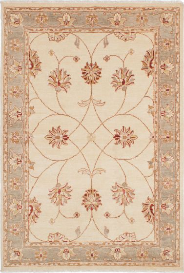 Traditional Ivory Area rug 4x6 Indian Hand-knotted 223914