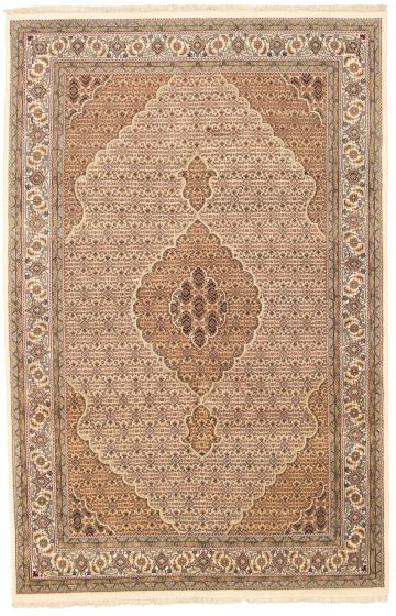Bordered  Traditional Ivory Area rug 6x9 Indian Hand-knotted 309069